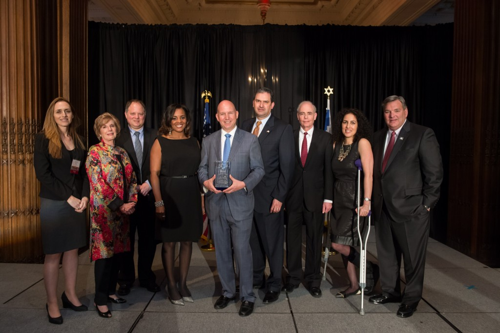 DE Gov. Jack A. Markell Receives the 2016 Yitzhak Rabin Public Service Award from the PICC